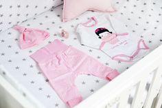 Ubranka Endo dla niemowlaka w obiektywie bloga Zatrzymując czas Toddler Bed, Onesies, Blog, Kids, Clothes, Furniture, Home Decor, Child Bed, Young Children