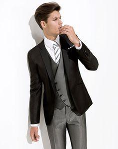 Lindo!    Os presentamos la colección de trajes de novio de la firma Javier Arnaiz.