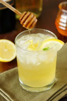 Moscato Bee's Knees Wine Cocktail ~ for Summer Sipping