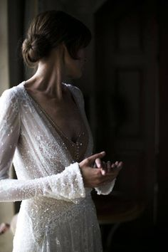 Glamorous wedding gown with neat chignon. Perfect for a summer wedding Wedding Bells, Boho Wedding, Wedding Gowns, Dream Wedding, Wedding Day, Wedding Bride, Glamorous Wedding, Wedding Pics, Wedding Things