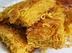 Noodles Recipes Here is a basic Chinese cake noodle recipe for just about anything that you woul… Chinese Cake Noodle Recipe, Chinese Noodle Dishes, Asian Recipes, Ethnic Recipes, Hawaiian Recipes, Chinese Recipes, Asian Foods, Mexican Recipes, Hawaii Food Recipes