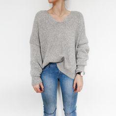 Nili Lotan knit jumper, Daniel Wellington watch & H&M denim. Via Mija