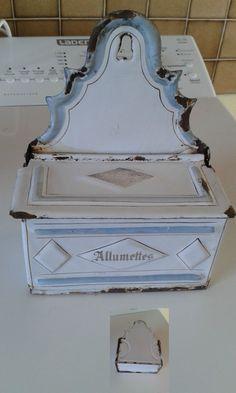Ancienne boite émaillée allumettes
