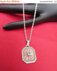 ❘❘❙❙❚❚ ON SALE ❚❚❙❙❘❘   Serendiitytreasure present this Art Deco frosted glass camphor pendant made from rhodium silver and has a Melee S1