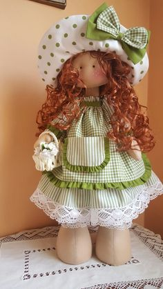 Blog de trabajos de María José Veira. Patchwork, calceta, ropita, muñecos, capotas, manteles, cortinas, bordados, ganchillo. Labores artesanales. Pretty Dolls, Beautiful Dolls, Doll Toys, Baby Dolls, Muñeca Diy, Ann Doll, Raggedy Ann And Andy, Polymer Clay Dolls, Tatting Lace