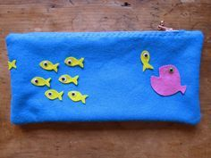 A simple felt pencil case to hand sew with kids