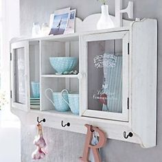 attraktiver h ngeschrank in wei landhausstil f r ihr zuhause vintage kitchen pinterest. Black Bedroom Furniture Sets. Home Design Ideas