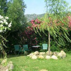 Gemütliche Plätzchen im Garten für erholsame Stunden. Anders reisen mit ReNatour