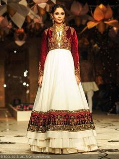 Purva Rana showcases a creation by designer Rohit Bal during the grand finale of India Bridal Fashion Week '13, held at Grand Hyatt, in Mumbai.