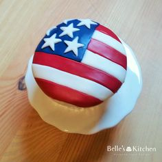 Bespoke Cakes for collection or delivery in London Cute Cupcakes, Wedding Cupcakes, Cupcake Cookies, American Flag Cake, Patriotic Cupcakes, Cupcake Queen, Cake Shop, Cupcake Ideas, Red White Blue