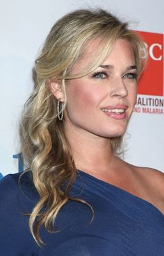Rebecca Romijn's half up, half down hairstyle | SheKnows CelebSalon
