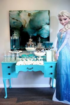Frozen party table setup by The Simple Party