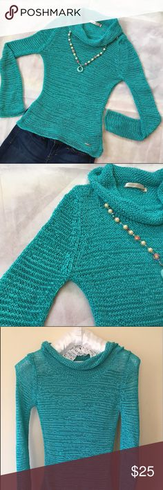 """Cowl Neck Turquoise Sweater S Beautiful Knitted Turquoise Top in Pristine condition. Perfect for a cool summer night. I cut one of the label after I bought it, but I would say It is made of Polyester. Strechy material. Shoulder widht measures 14"""", bust 15"""", sleeves lenght is 27"""", hem 16"""" and total lenght 25"""". All other accesories for styling purposes only and not for sale. Michelle Belau Sweaters Cowl & Turtlenecks"""
