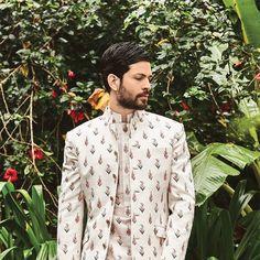 Indian Wedding Lehenga, Wedding Dresses Men Indian, Wedding Dress Men, Wedding Men, Indian Sarees, Indian Men Fashion, Mens Fashion Wear, Anita Dongre, Miss Perfect