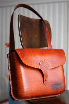 Vanhook & Co .: рук прошитой кожаная сумка
