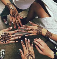 Henna hands tattoos