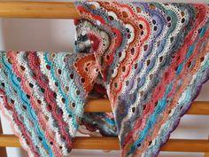 Both my virus schawl same lenght and yarn. Look nice!!