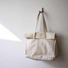 Source: blowkissesnotboys Cotton Bag, Fabric Bags, Diy Bags, Backpack Bags, Fashion Bags, Simple Bags, Purses And Bags, You Bag, Cloth Bags