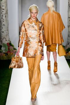 Mulberry Spring 2013 Ready-to-Wear Runway - Mulberry Ready-to-Wear Collection - ELLE