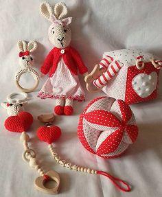 livushka / slečna Zajková-červená kolekcia Drops Cotton Light, Crochet Toys, Montessori, Christmas Ornaments, Holiday Decor, Home Decor, Crocheted Toys, Room Decor, Christmas Jewelry
