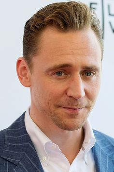 Tom Hiddleston attends the Tribeca Tune In: The Night Manager during the 2016 Tribeca Film Festival at SVA Theatre on April 15, 2016 in New York City. Full size image: http://ww3.sinaimg.cn/large/6e14d388jw1f2y8yqb61aj22bc1jnu0y.jpg Source: Torrilla, Weibo