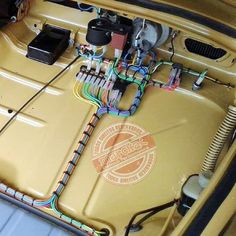 Neat Beetle wiring - like in my dreams right? Auto Volkswagen, Vw T1, Vw Variant, Vw Beach, Vw Baja Bug, Vw Super Beetle, Kdf Wagen, Vw Engine, Vw Vintage