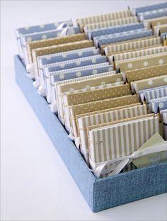 Mini livros para o Pedro by Zoopress studio, via Flickr