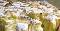 Puszyste i wilgotne ciasto na jogurcie, niezbyt słodkie, idealne na podwieczorek czy do śniadaniowej kawy.  Wiem wiem propaguję teraz ... Blueberry Cheesecake, Polish Recipes, Apple Cake, I Love Food, Sweet Recipes, Biscuits, Dessert Recipes, Food And Drink, Cooking Recipes