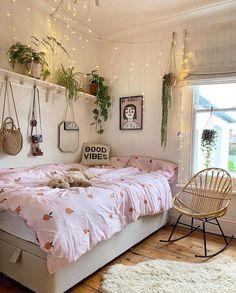 Bohemian Bedroom Decor Bohemian Style Ideas For Bedroom Decor « Home Decor - Bedroom ideas Bohemian Bedroom Decor, Boho Room, Indie Bedroom, Romantic Bedroom Decor, Hippie Room Decor, Bohemian Interior, Decor Room, Luxury Interior, Interior Styling