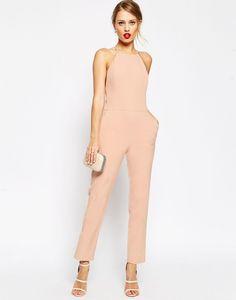 Jumpsuit para invitada de boda en rosa empolvado con pantalones tobilleros