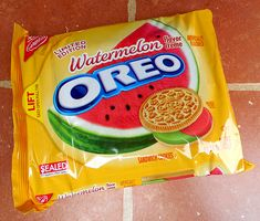 say whaaat? Watermelon and Strawberries n' Creme Oreo Cookies