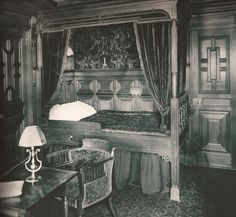 Titanic - First Class Bedroom.