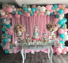 The decoration with balloons is increasingly sophisticated and charming. There are many creative ideas and good taste to leave any super special party. Girl Baby Shower Decorations, Balloon Decorations, Birthday Party Decorations, Baby Shower Themes, Decoration Party, Party Themes, Unicorn Birthday Parties, Baby Birthday, Shower Party