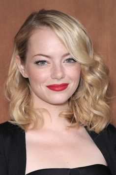 Emma Stone's Old Hollywood-inspired waves