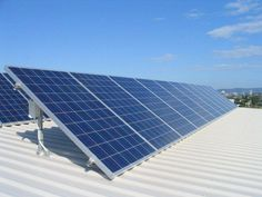 Home Solar Energy. Deciding to go environment friendly by changing over to solar power is undoubtedly a positive one. Solar panel technology is now being regarded as a solution to the planets electricity requirements. Solar Panel Cost, Solar Energy Panels, Solar Panels For Home, Best Solar Panels, Solar Energy System, Solar Power, Wind Power, Sistema Solar, Solar Panel Companies