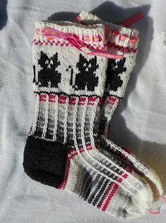Crochet Socks, Knitting Socks, Ravelry, Christmas Stockings, Kissa, Holiday Decor, Diagram, Knit Socks, Needlepoint Christmas Stockings