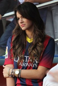 Hot Football Fans, Football Images, Football Girls, Football Outfits, Fc Barcelona, Camisa Barcelona, Barcelona Football, Girl Playing Soccer, Girls Soccer