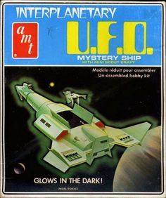 John Kenneth Muir's Reflections on Cult Movies and Classic TV: Memory Bank: Leif Ericson Galactic Cruiser/Interplanetary UFO (AMT/Round Two) Star Trek Models, Sci Fi Models, Plastic Model Kits, Plastic Models, Star Trek Toys, 70s Sci Fi Art, Fritz Lang, Hobby Kits, Star Trek Ships