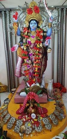 Indian Goddess Kali, Goddess Art, Goddess Lakshmi, Indian Gods, Durga Puja Kolkata, Kali Puja, Kali Hindu, Shiva Parvati Images, Durga Images