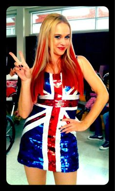 Glee& Spice Girls Cover — Becca Tobin Channels Ginger Spice For . Hollywood Life, Hollywood Stars, Kitty Glee, Spice Girls Songs, Glee Season 4, Becca Tobin, Glee Fashion, Glee Club, Dianna Agron