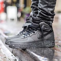 2014 cheap nike shoes for sale info collection off big discount.New nike roshe run,lebron james shoes,authentic jordans and nike foamposites 2014 online. Nike Air Shoes, Nike Shoes Outlet, Nike Air Jordans, Running Shoes Nike, Sneakers Fashion, Shoes Sneakers, Suede Shoes, Canvas Sneakers, Leather Shoes