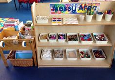 Having good storage can also be a good opportunity to teach children a valuable lesson. Reggio Emilia, Eyfs Classroom, Classroom Decor, Classroom Displays Eyfs, Reception Classroom Ideas, Montessori Classroom, Reception Ideas, Classroom Setting, Classroom Design