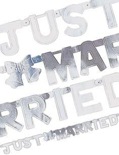 Just Married Banner silbern. Tolle Deko für die und nach der #Hochzeit! #justmarried #wedding