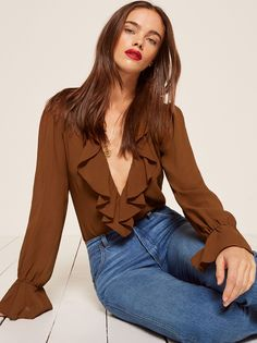 This is an easy fitting bodysuit with a ruffle edged neckline and ruffled cuffs. Look Fashion, Fashion Outfits, Womens Fashion, Cheap Fashion, Stylish Outfits, Cute Outfits, Style Feminin, Sexy Blouse, Velvet Fashion