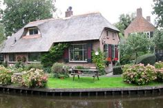 The town with no roads – Giethoorn Netherlands