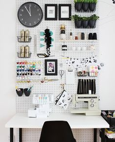 Making+a+Workspace+in+Even+the+Tiniest+of+Places