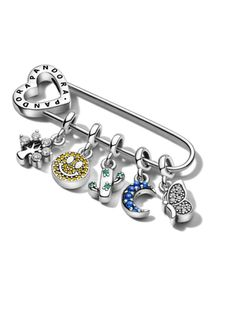 Pandora Jewelry OFF!>> Pandora Me features micro dangle charms bracelets and earrings. Millie Bobby Brown is the face of the campaign. Pandora Leather Bracelet, Pandora Bracelets, Pandora Jewelry, Wrap Bracelets, Pandora Uk, Charms Pandora, Cute Jewelry, Charm Jewelry, Pandora Collection