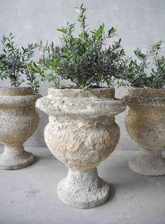 Garden Urns / Chateau Domingue