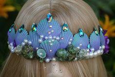 Seashell Sea queen crown mermaid tiaraseashell by TheMuseCreations Mermaid Crafts, Mermaid Diy, Mermaid Crowns Diy, Diy Maquillage, Shell Crowns, Seashell Crown, Mermaid Halloween Costumes, Sea Queen, Crown For Kids