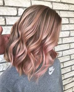 50 irresistible rose gold hair color looks like you can pull off this trend – new hair cuts - Modern Hair Color Highlights, Hair Color Dark, Blonde Color, Cool Hair Color, Blonde Ombre, Red Blonde, Rose Gold Hair Blonde, Blonde Roots, Brunette Color